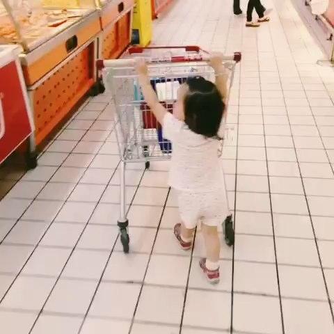 逛超市.自己推车